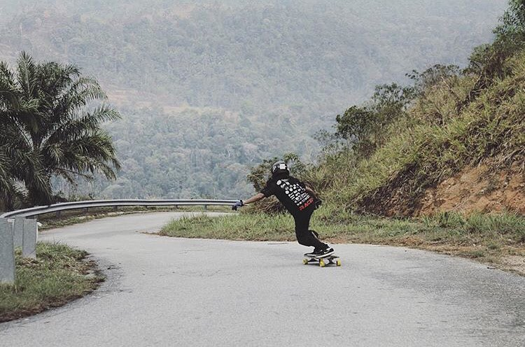 @lgcmalaysia rider @vina_mrwn celebrating skateboarding day in Kuala Lumpur in the best posible way. How are you celebrating #GoSkateboardingDay?