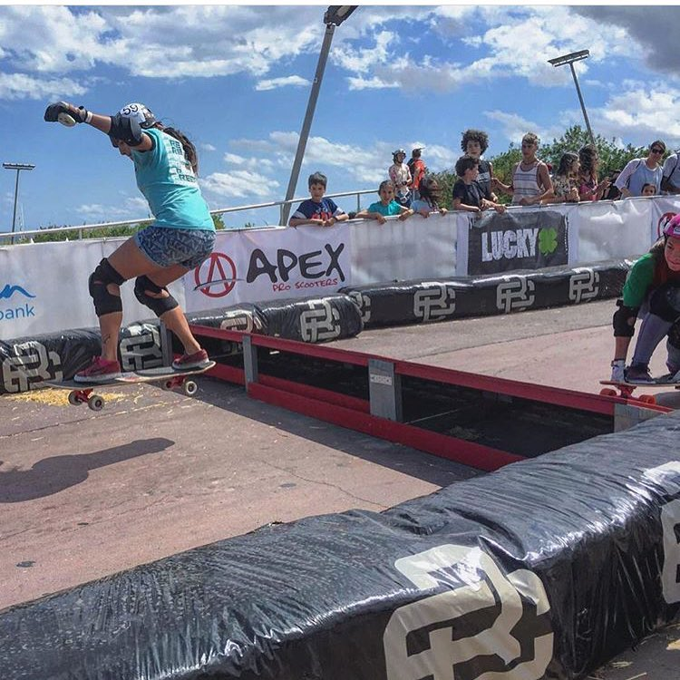 This weekend in Barcelona the @extremebarcelona went down with an epic boardercross track! Women's Podium: 1. @melinaaltes  2. @miriaam_tena  3. @frigofiona  In the photo the rad @neena405 getting some. Check her latest edit in longboardgirlscrew.com...
