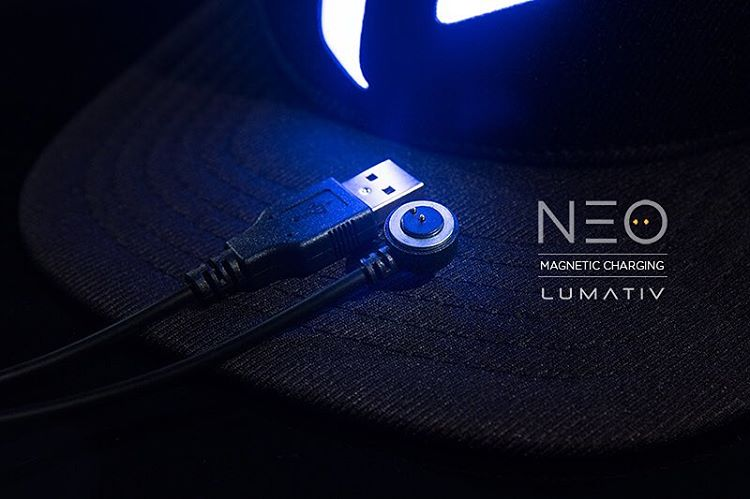 The new #Lumativ #E6 snapback features the NEO Magnetic Charging Cable that replaces a conventional micro-USB cable. #NEOcable #EDC20 #wearabletech #wearabletechnology #snapback #illuminatedsnapback #nightlife #technology #headwear #accessories