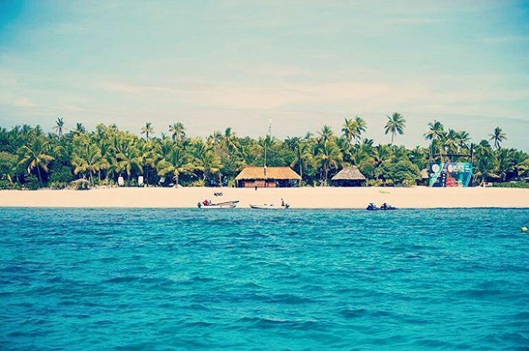 It's On! Mira la competencia en vivo desde la WSL. Tavarua Fiji Pro!  #maetuanis #surf #surfing #paradise #tavarua #fiji #cloudbreak