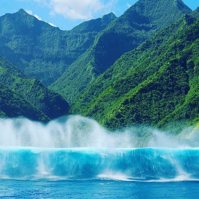Tahiti! El destino recomendado para surfear en Junio! #maetuanis #surf #surfing #tahiti #teahupoo #french #polinesia #followthesun #bestbet