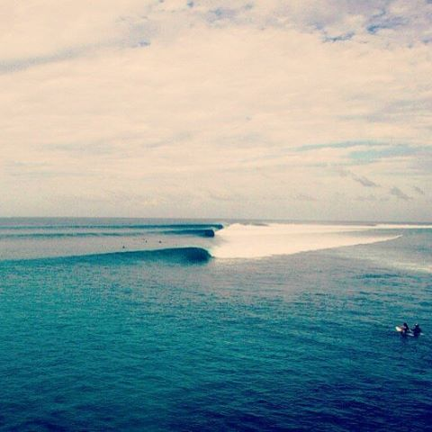 Somewhere in Indonesia. Follow the Sun !! #maetuanis #followthesun #surf #surfing #indo #indonesia #mentawaiislands