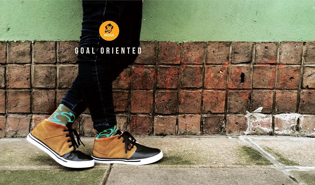 Ningún viento es favorable si no sabes hacia dónde navegar.  @moul.kickthecliche #identity #feel #touch #socks  http://shop.moul.me