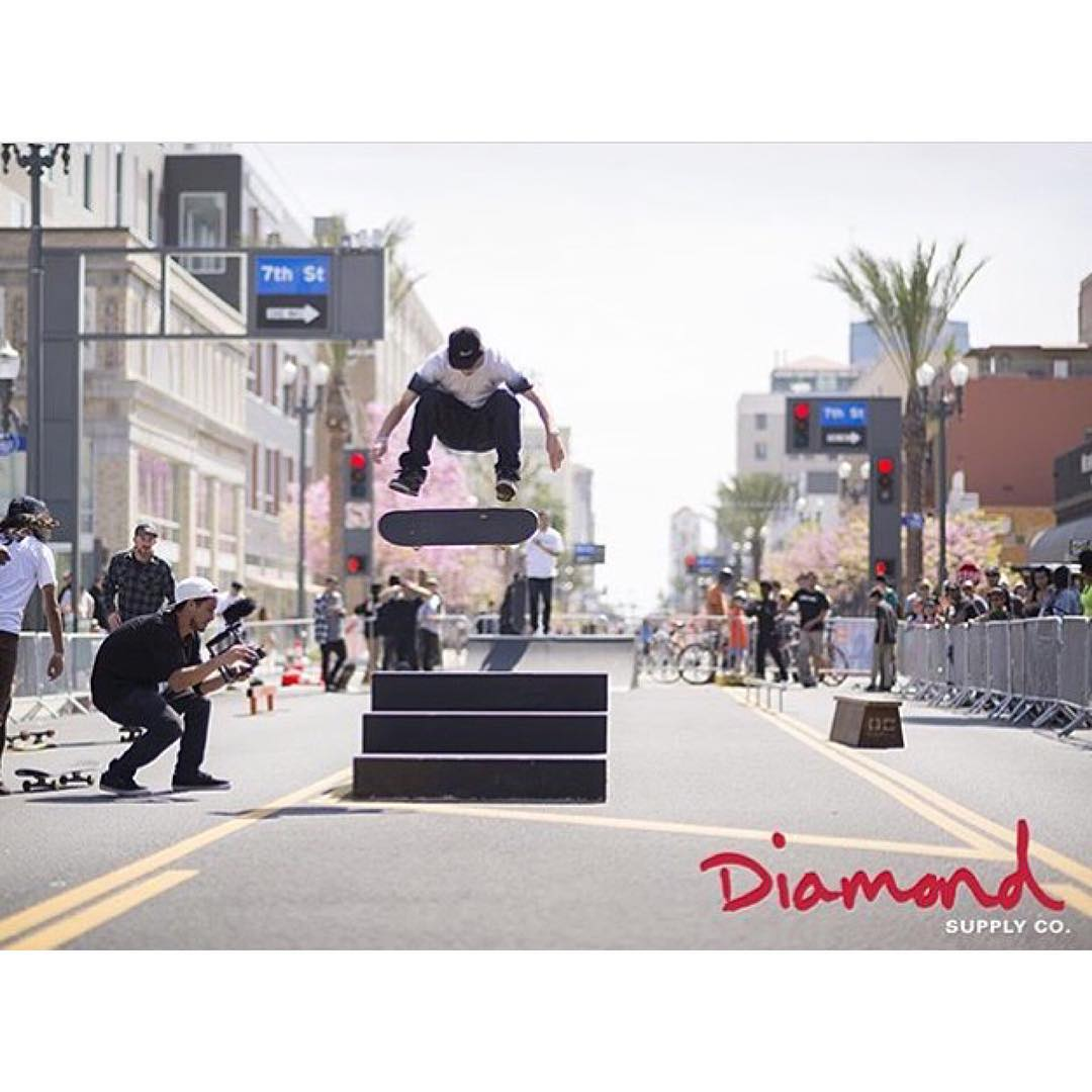 @taylormcclung textbook fs flip at the LBC @diamondsupplyco BBQ. Photo: @brycepagter