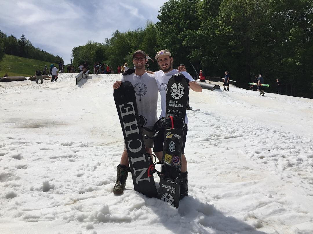 @elijah.mullen and team rider @jhancheck enjoying the #sun and #snow @carinthiaparks #peacepipejam this #memorialdayweekend  #findyourniche #memorialday #mountsnow #carinthiaparks #carinthia