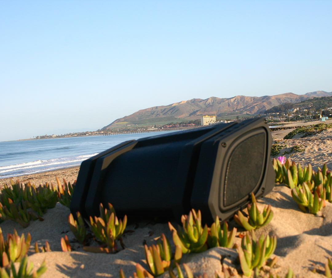 Happy Friday! Who's hitting the beach first chance they get? #LifeSoundsGood #NYNErock #happyfriday #beach #friday #bluetoothspeaker #ventura