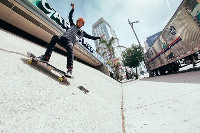 #OrangatangAmbassador @camilocespedes sliding down a bank in downtown Los Angeles on his #yellow #skiffs