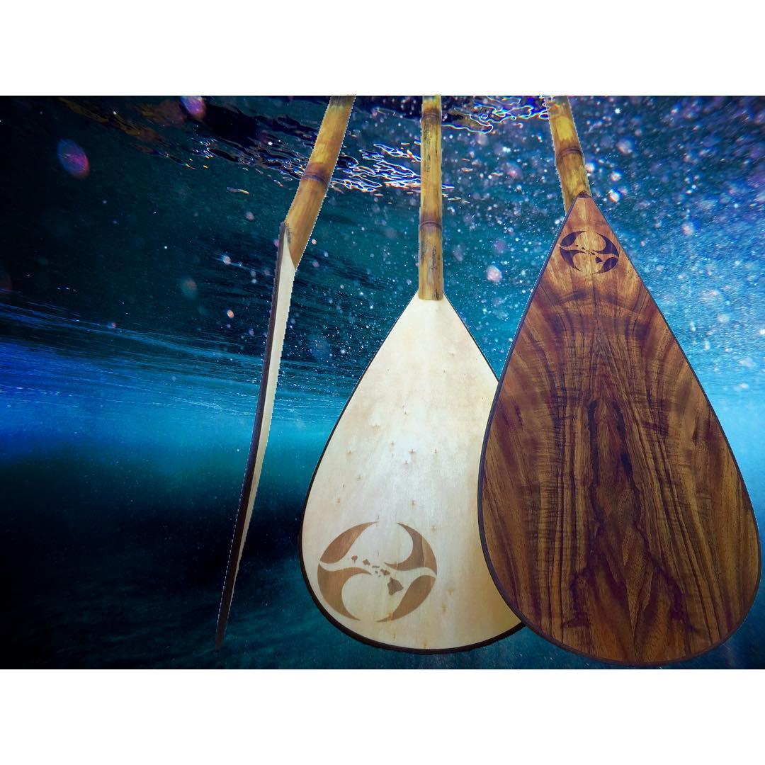 P A D D L E  G E S T U R E #naturescarbonfiber  #woodcrushwednesday #bamboopaddle #gopro #paddlehawaii #standupjournal #supconnect