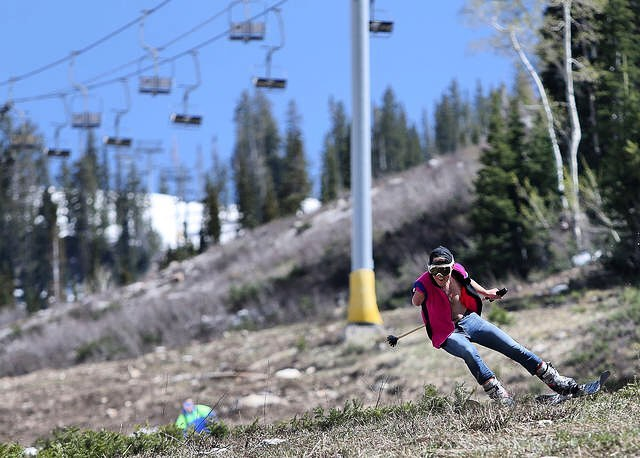 Matt Meredith spent Memorial Day getting rad at Snowbird, taking it to the turf for their closing day!  #TribeUP turf!  Photo: Kristin Murphy (Deseret News)  @snowbird  #PandaPoles #Skiing