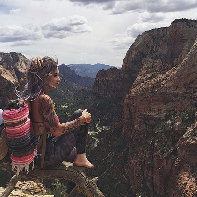 - L A N D I N G - #radparks shot in from @brookesouthcombe in @zionnps taking it all in #parkchamps #nps100 #findyourpark