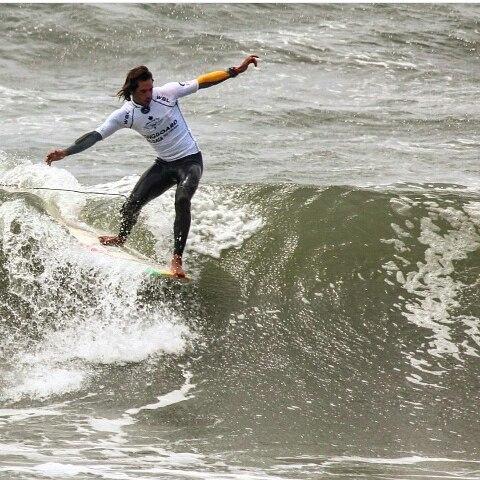 @dany_locosxelsurf nuestro raider paso su primer hit en el #longboardprogaia #wsl #eurotour #eurotourlxs #perkyshoesar #perkyporahi #surf #longboard #longboarding #waves #Portugal #gaia #perkyaustralia #perkynewzeland #perkyshoesnz #perkyspain