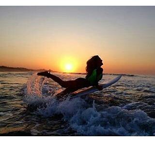 @lucia_cosoleto desde los cabos baja California entrenando a puro surf !!!! #surfing #surf #perkyxahi #perkyxahi #maslivianasporgentileza #shoes #alpargatas #lowsider #náuticos #sandals #girlsurf  #surfgirl #waves #wsl #California