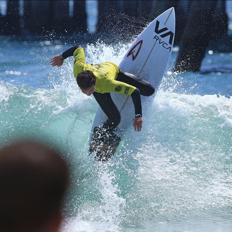 Congratulations to @proliteint team rider @parkercohn for taking the win at the @ripcurlgromsearch this weekend at Huntington Pier! @rvcasurf @roberts_surfboards @jackssurfboards  #surf #gromsearch