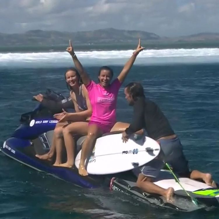 A huge congratulations to team rider @johannedefay for taking the win in some heavy surf at the Fiji Pro! So very proud of you and all the girls who were absolutely ripping! #teamprolite #fijipro #surftravel