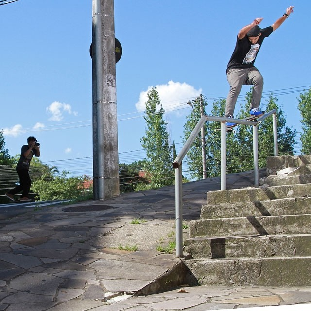 Kelvin Hoefler - Feeble transfer em Porto Alegre - RS. @kelvinhoefler #qix #qixskate #skateboardminhavida