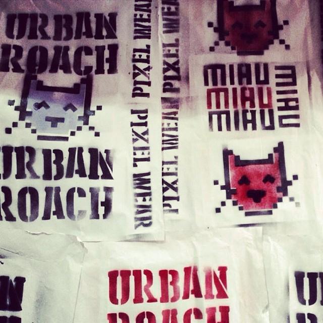 Póster MIAU #póster #urbanlife #miau #cat #pixelart #pixelcat #pixel #stencil #spray #urbanlife