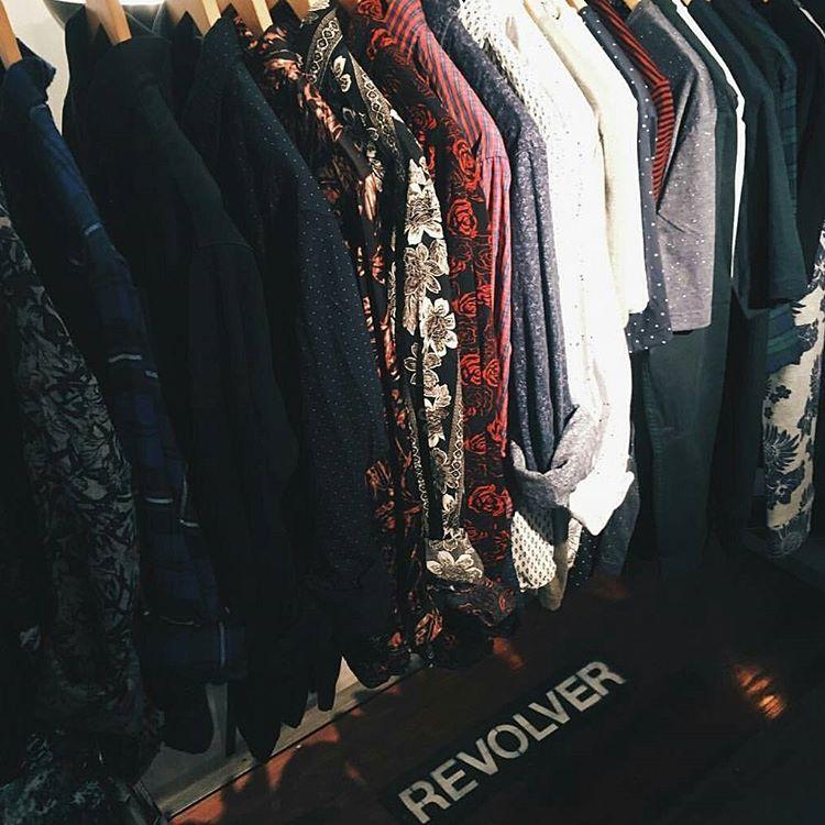 #ropaRevolver reposision de talles y modelos #12cuotasSinInterés #camisasfloreadas #avstafe4096