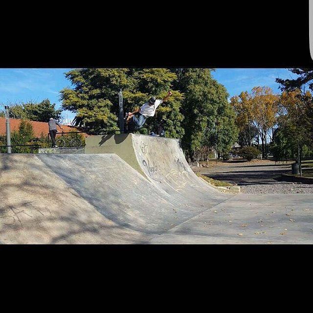 Skateboarding @mariano_gonzalez_vog