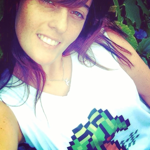 ❤️AMIGOS #urbanroach #pixelart #clothing #8bits #palmtree #girl