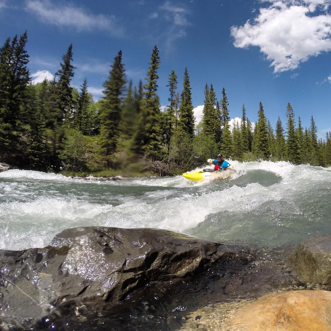 Shredding green waves on the Kananaskis river Alberta. #shredready #cuzrockshurt