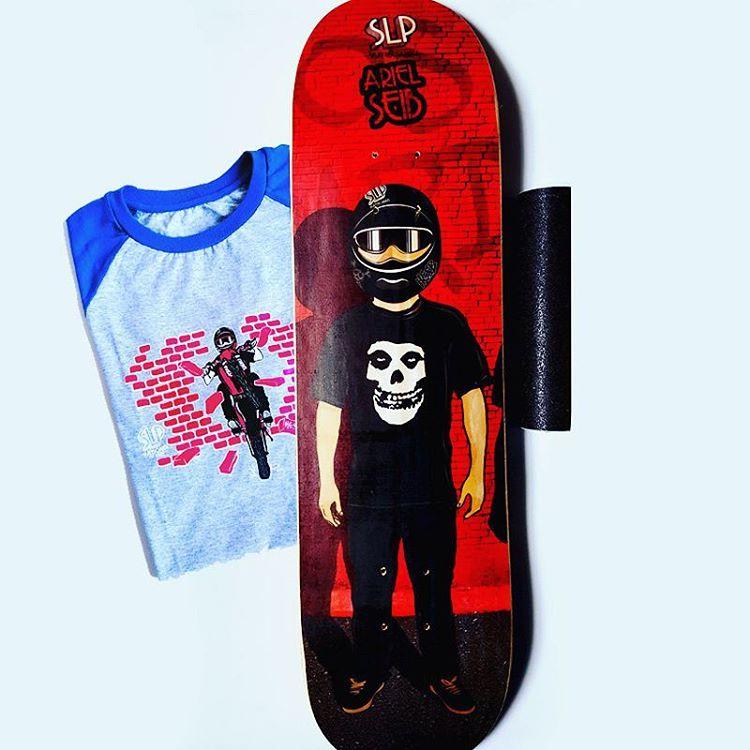 Motos y #skateboarding, las pasiones juntas de Ariel Seib, @tuma_hgsb_rido. Cuáles son las tuyas...? #slpskateboards #tablas #slpclothing #lijas #guatambas #skatelife #misfits #hgsb