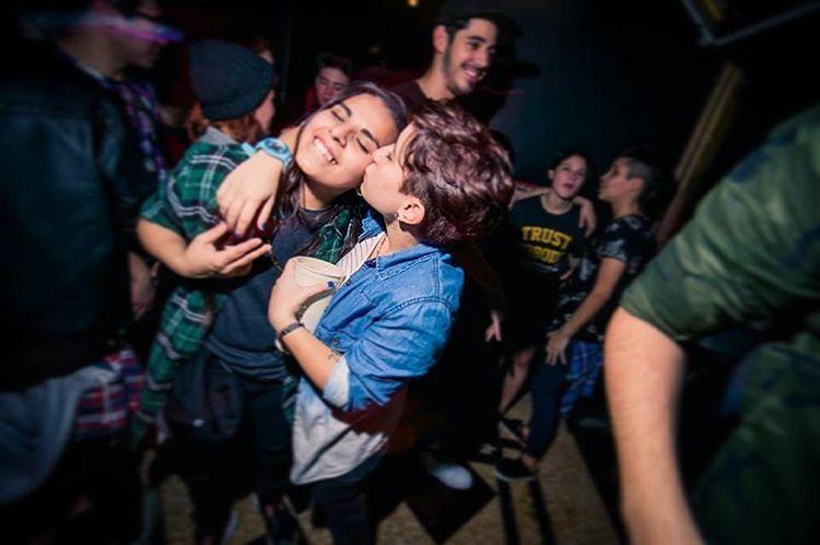 Finde apurate. . . . . . . . #lesbian #lesbianstyle #dyke #butch #tomboystyle #instalesbians #tomboyswag #butchlesbian #instalesb #lesbo #tomboylookbook #instagood #instamood #instapic #instagay #gay #lgbt #lipsticklesbians #dykes #nochon #party...