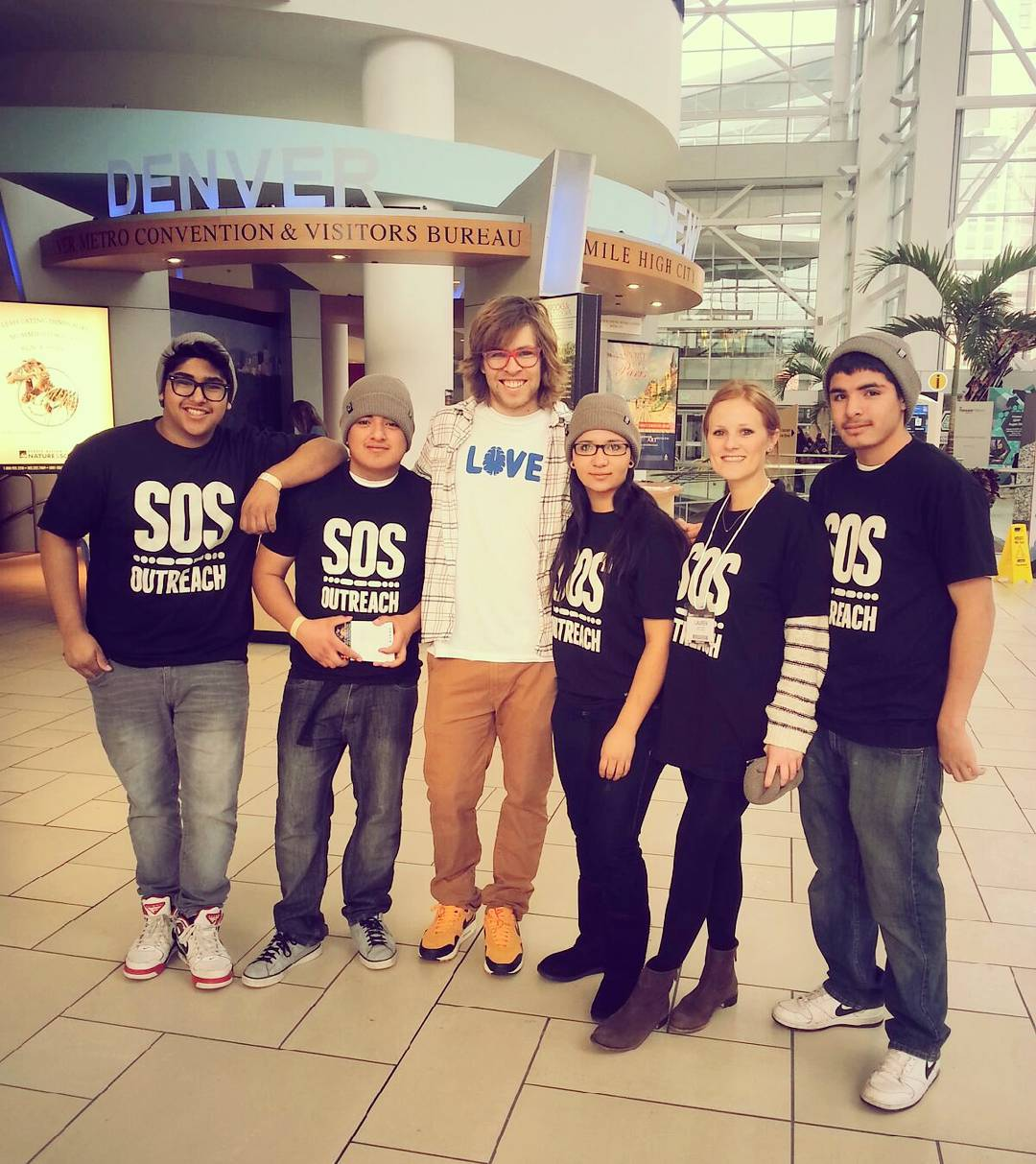 #flashbackfriday to when our SOS #Denver youth got to meet the legendary @kevinpearce ! A great opportunity to meet one of the most #inspiring snowboarders to bless our slopes. #LoveYourBrain #SpreadtheLove