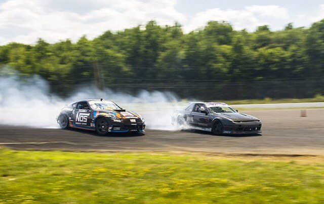 Rad seeing the dudes party with their comp cars at @clubloose's #probrodown! @dylanhughes129 (LS3 powered s13) with @chrisforsberg64 (1000hp 370z comp car) in chase! #procarparty #greatestplaceonearth