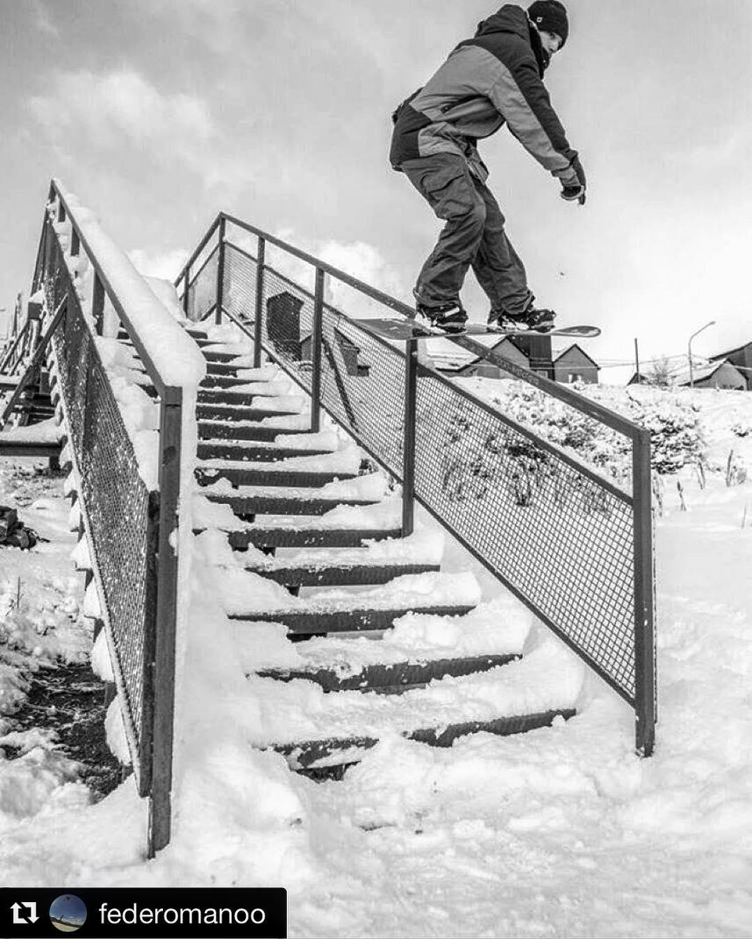 #Repost @federomanoo #snowboarding #thriveargentina #thrivesnowboards #relentless #thriveharder