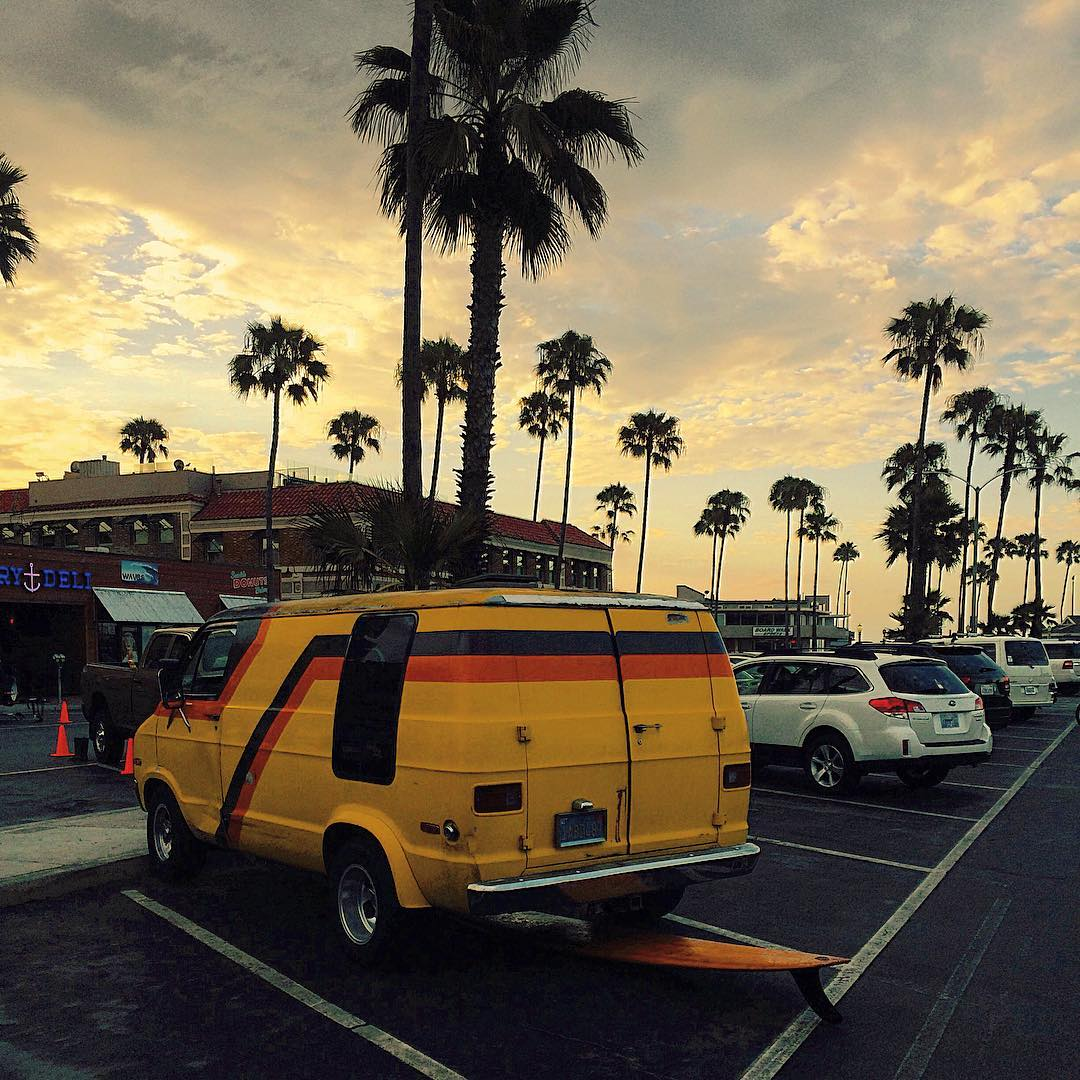 Sweet single fin..check, groovy van with matching stripe..yip. Simplicity, style and easy living in Newport Beach, CA.