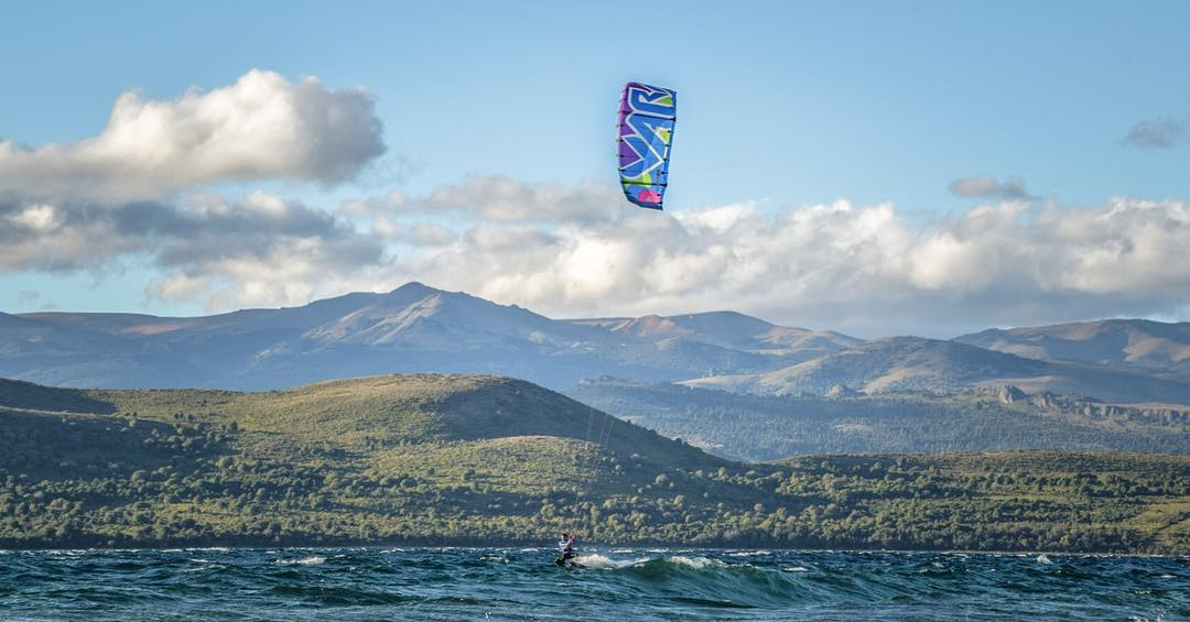 The always amazing Patagonia. Ph:  #nouuei. #art&ride #patagonia #argentina #varikites #nahuelhuapi #kite #kitesurf #colore #nature #landscape