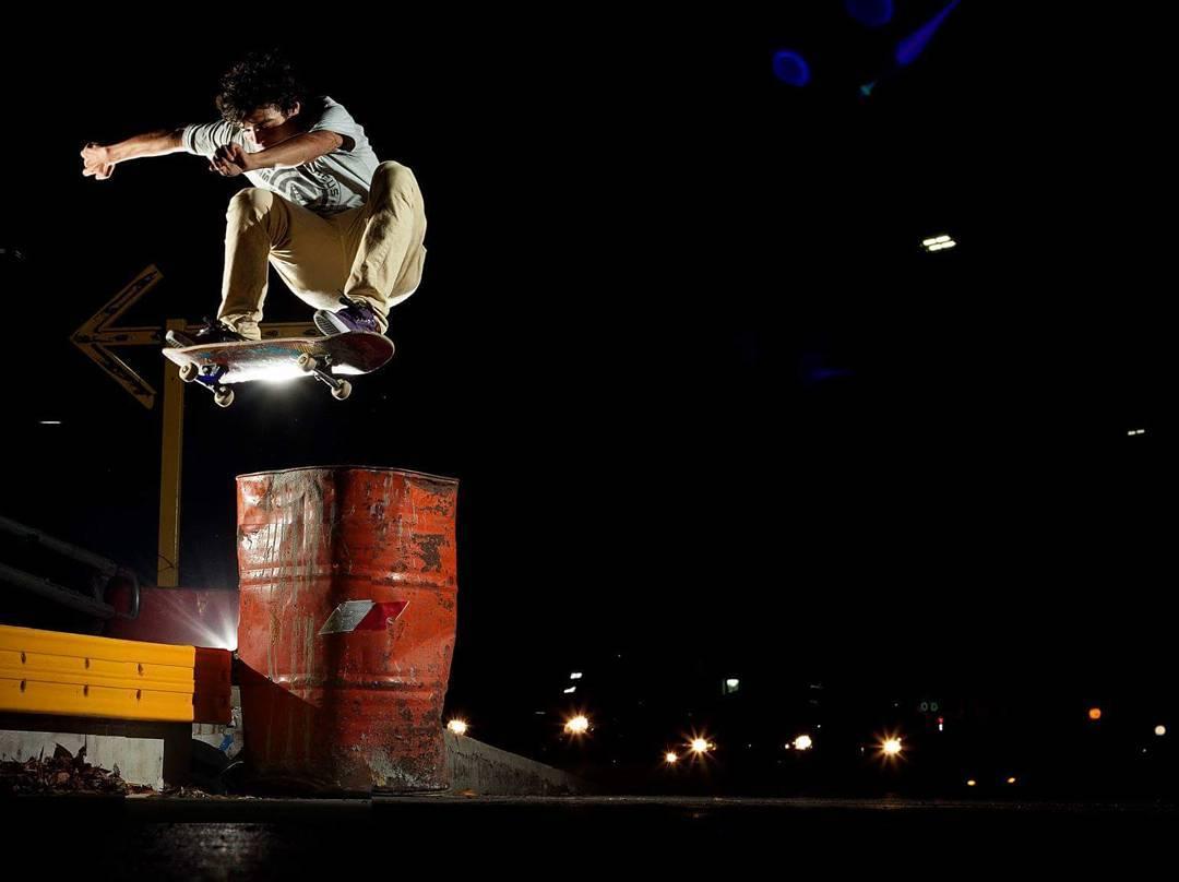 FS Ollie | @nachogalda  #skateboarding #skatelife #sk8 #nightriders #skate #WalkFurther #Vicus