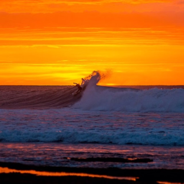 Setting son. @jordysmith88 and the spectacular sunset at Bells Beach. #surf #jordysmith #bellsbeach