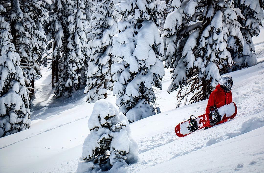Llego el invierno, así que a pasar el frío a puro #snowboarding !! ❄️