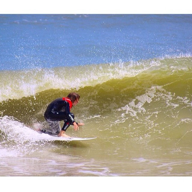 It's Friday! // Get pitted! // @sammyboii knows  #happyshredding #stzlife #fishoutofwater #surf #getpitted