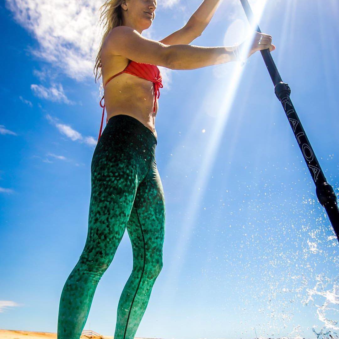 "HAPPY FRIDAY  #repost @paddlefitness with ""Happiness is the wind in my hair and a paddle in my hand."" @gilliangibree"