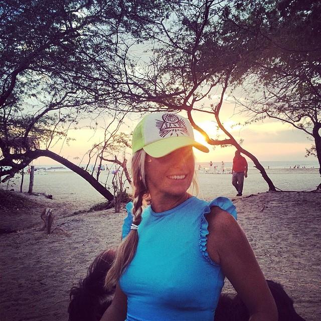 Happy hour binkini pow-wow in Mi Ola ruffle crop top rashguard #miola #miolainthewild #costarica #tamarindo #puravida