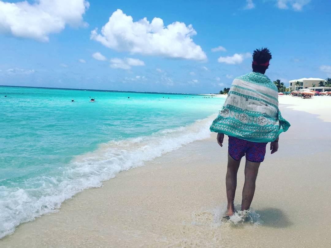 #metiendopanza en el paraíso  #caribe #saintmartin #anguilla