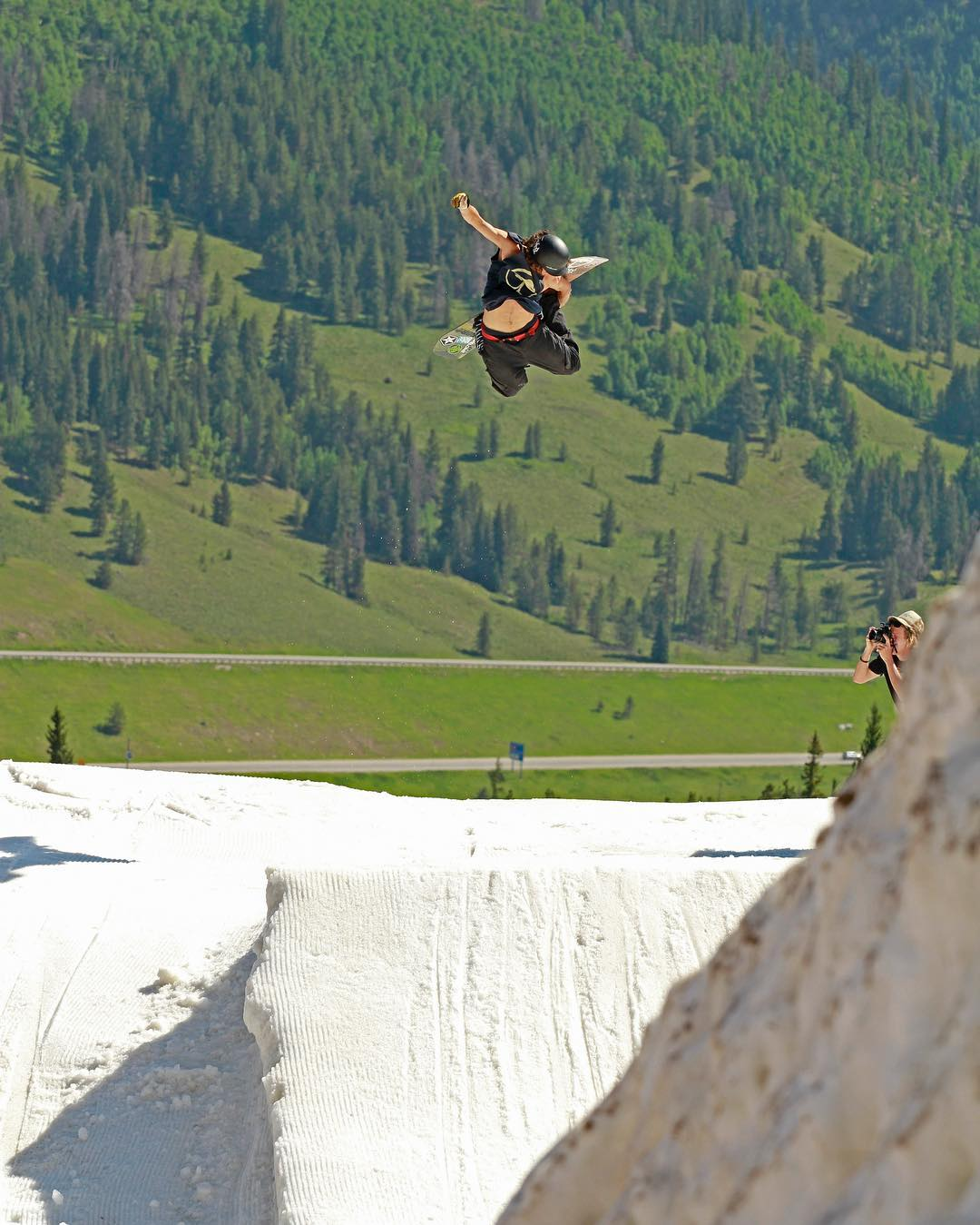 Summertime and the living is easy... Flux rider, @scottyvine at @woodwardcopper launching the white into the green. #snowboarding #fluxbindings #snowboard #summersnowboarding #fun ❄️
