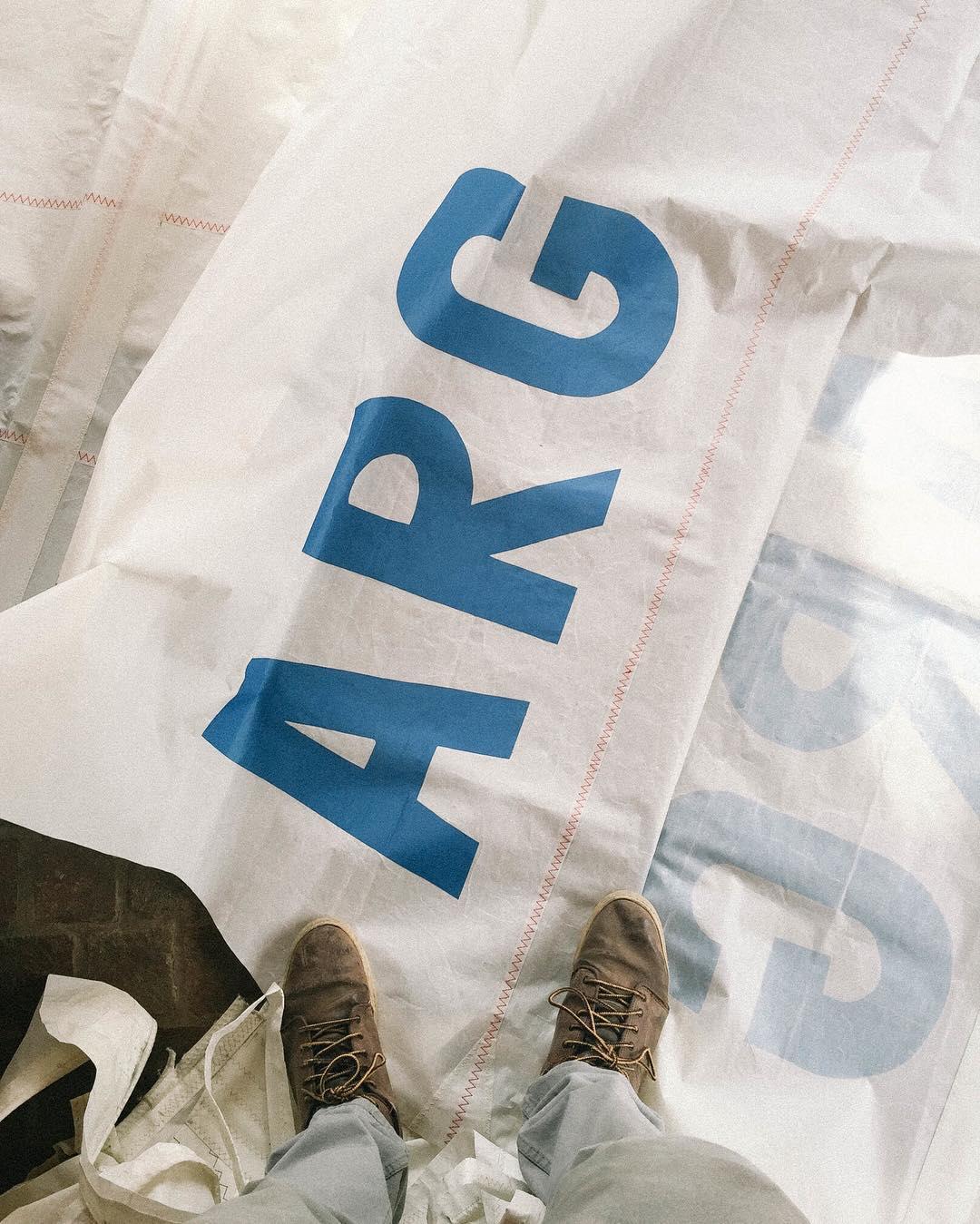 Hoy mas que nunca #vamosargentina  www.tinchoandlola.com ------ #sailorscollection #tincholife #argentina #velasdebarco #recicladas #recycled #upcycled #sails #sailing #yachting