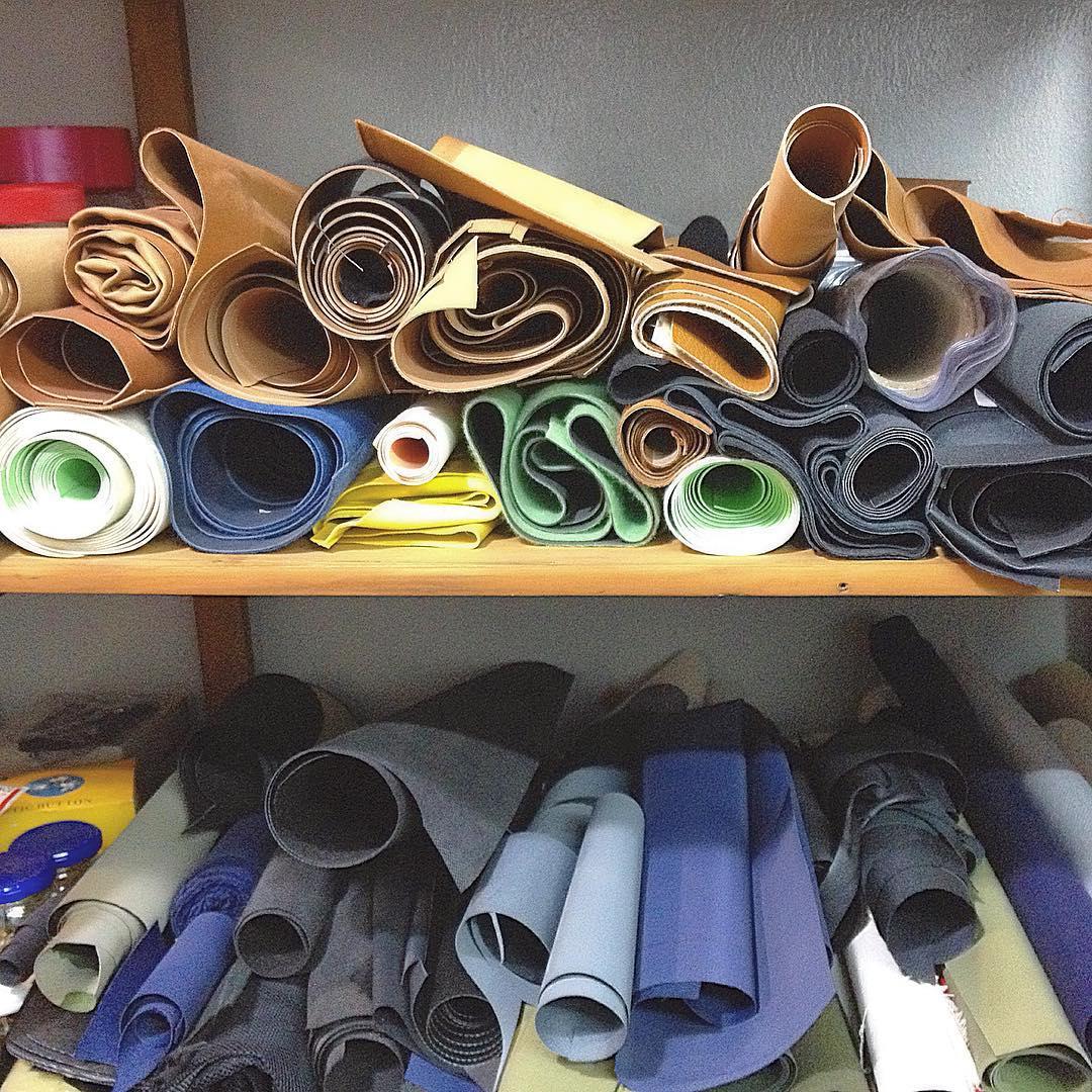 Arrancando una nueva semana en nuestro taller. Dinamo es diseño y producción local. #handmade #hechoenargentina