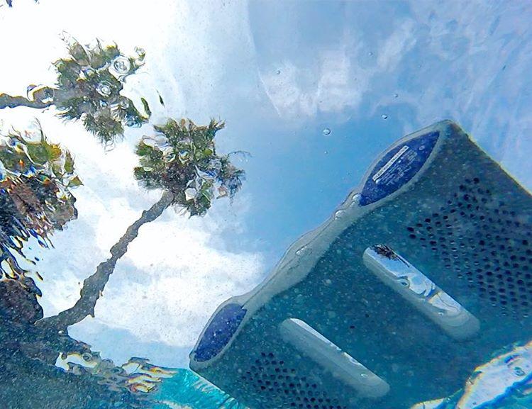 A #NYNEaqua spotted in its natural habitat. #lifesoundsgood #floaton #mondaymusic #waterproof #vacation #summer #bluetoothspeaker