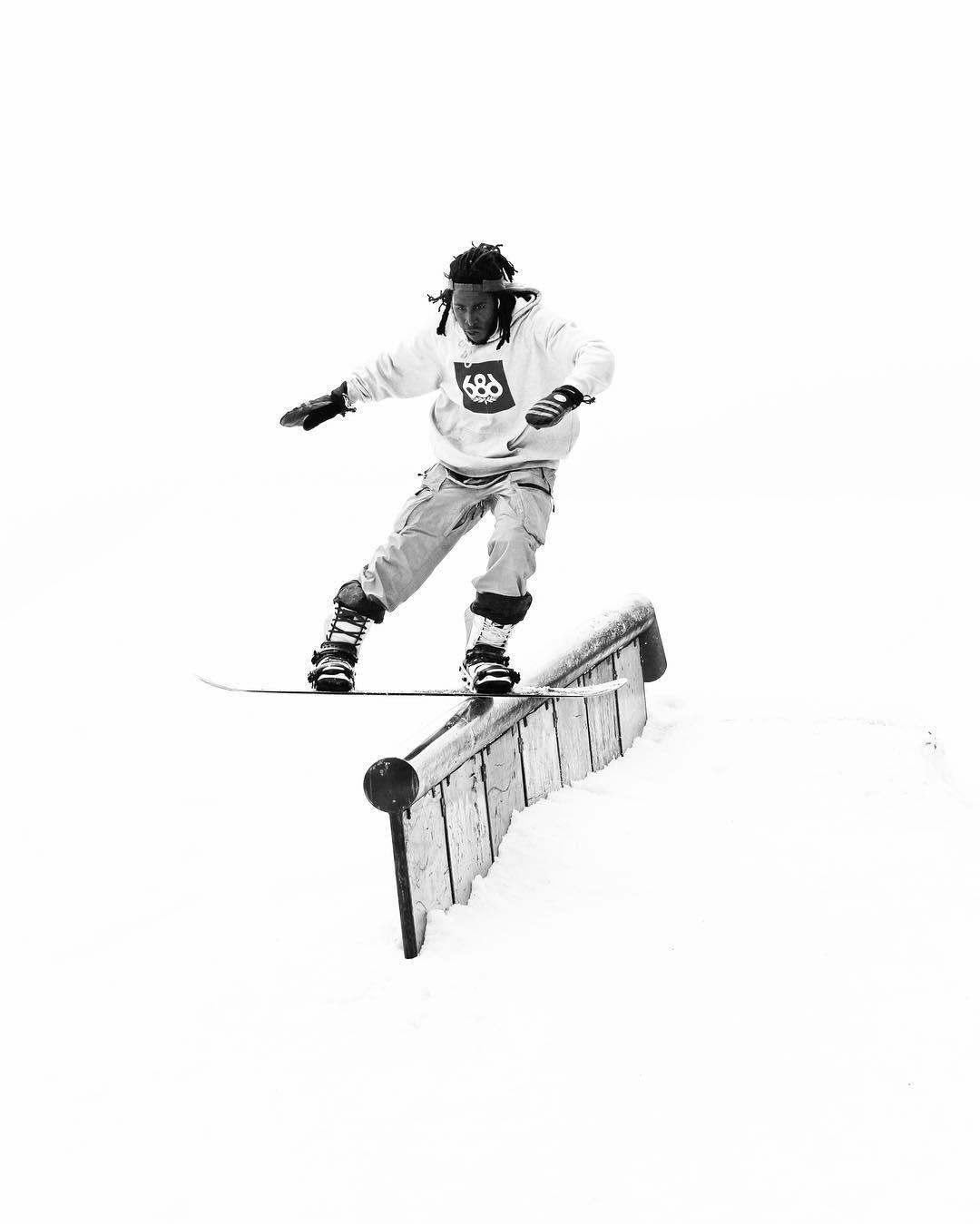 Flux rider, Stephon Deifer @duh_homie_sterph boardin' in a whiteout at @woodwardcopper #fluxbindings #snowboarding ❄️