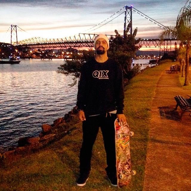 @caiquesilvaskt representando com a coleção de inverno da #qix