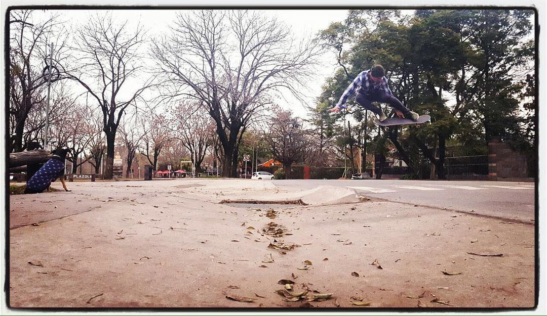 Tremendo Melon de @nashprosty Photo by @fedeimbriano  #goskate #enjoy #comunidadspiral #Qualityshoes
