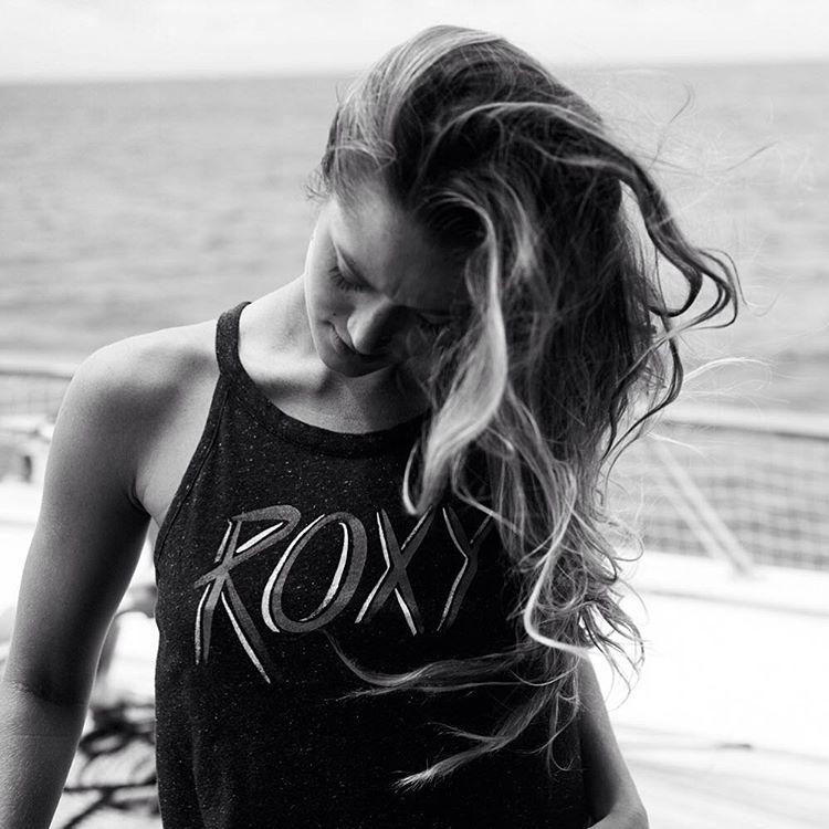 Black and white beauty @monycaeleogram