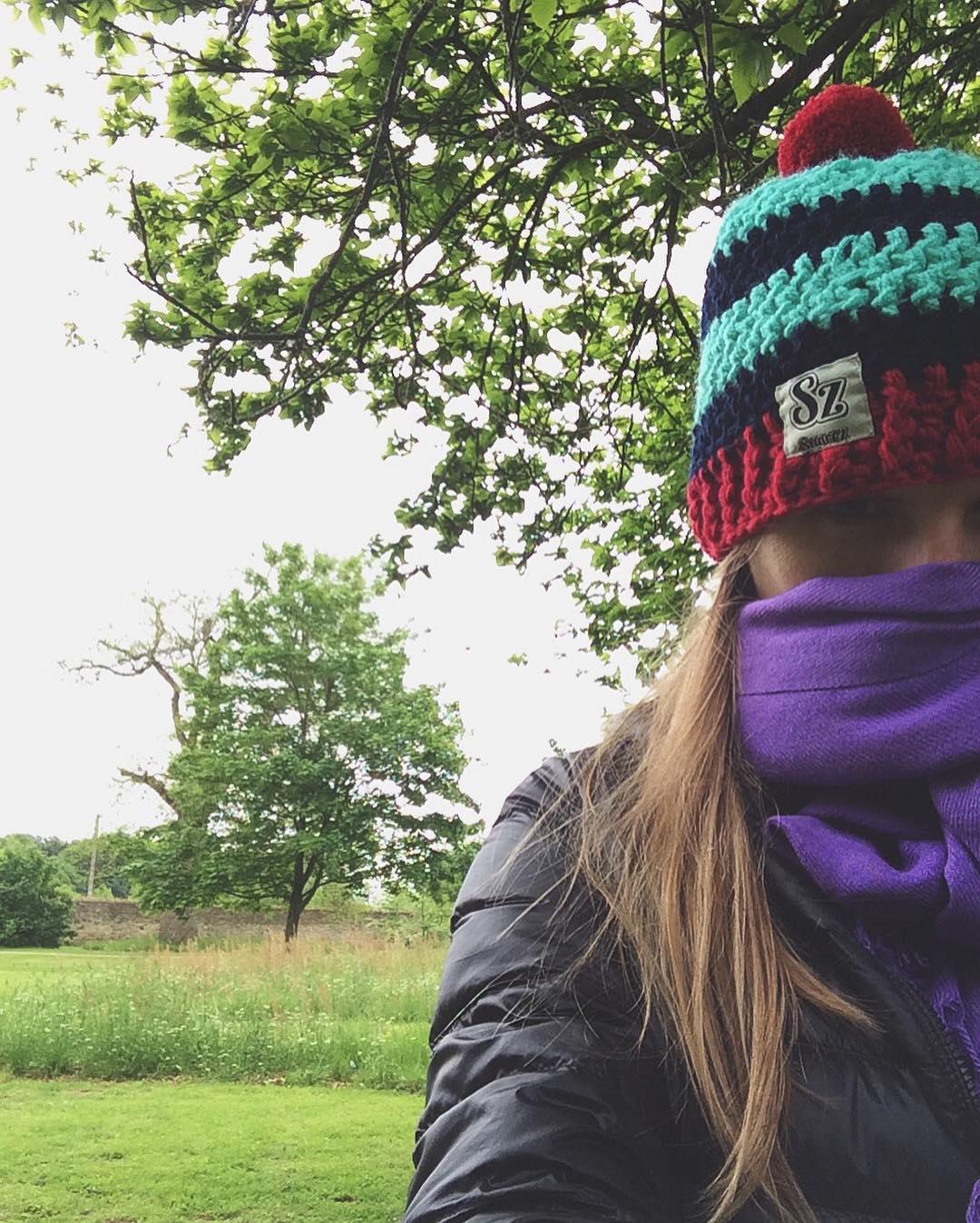 Arrancar el día con frío pero saber que estás cubierta #GorrosConOnda #UsáSuarez