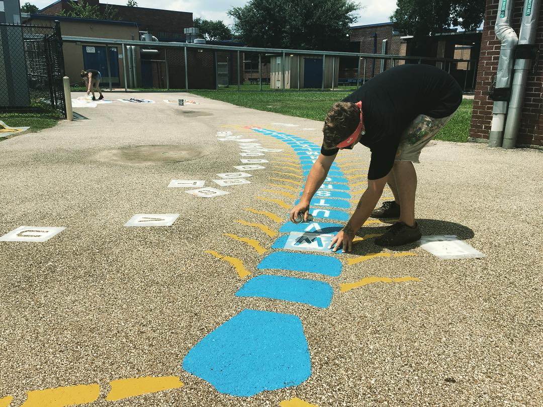 Making Texas elementary schools playgrounds more fun and educational with @futp60 #play60 & @dairymax • • Over the last week we have had the joy of painting for Houston's Montgomery, Isaacs & Eliot elementary turning their blacktops into fun...