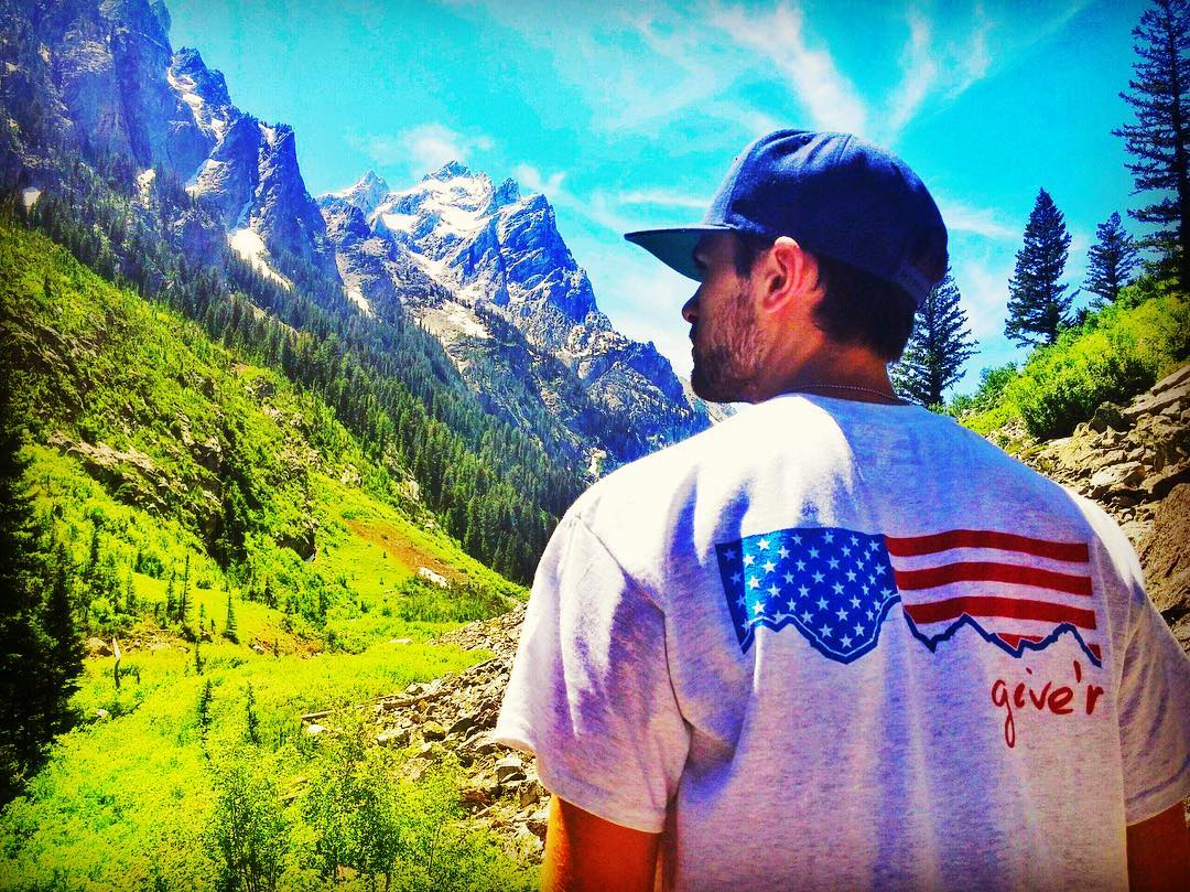 Shout out to @pillwhelan  for the awesome pic! From all of us here at Give'r, we hope y'all have a great 4th of July weekend. Get out there and Give'r!! **Free Red, White, and Blue River Runner Neck Coozie for a limited time with any purchase over...