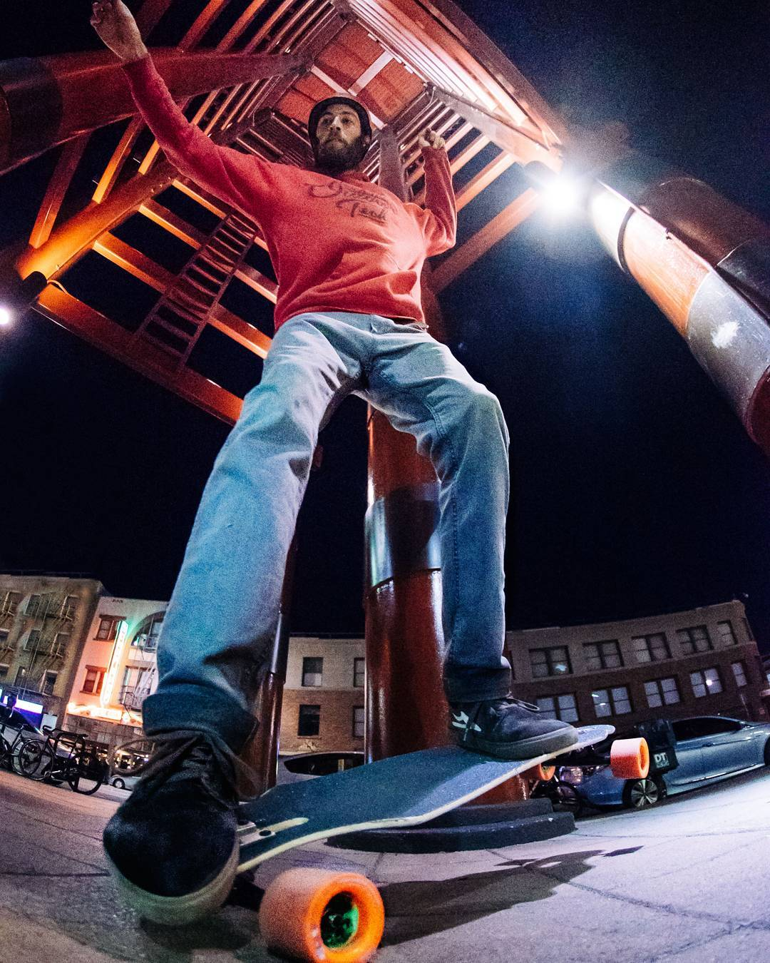 #LoadedAmbassador @AdamStokowski makes use of his subtle nose and tail kicks in his nocturnal urban balance training.  Learn more about the new Icarus by clicking the link in our bio!  Photo: Christian Rosillo  #LoadedBoards #LoadedIcarus #Icarus...